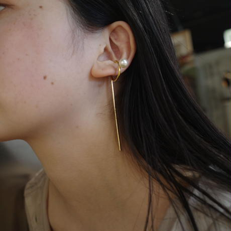 〈DE-EC57〉pearl stick earcuff