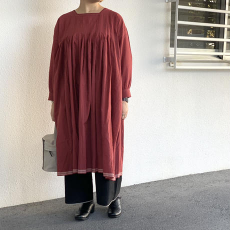 HANDWOVEN COTTON WITH JACQUARD SELVAGE BOX PLEATED SMOCK DRESS INMDS20714 / maison de soil