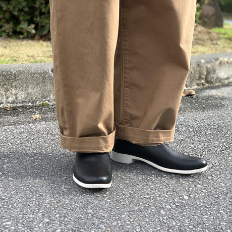TR-018 SLIP-ON (BLACK×WHITE) / TRAVELSHOES by chausser