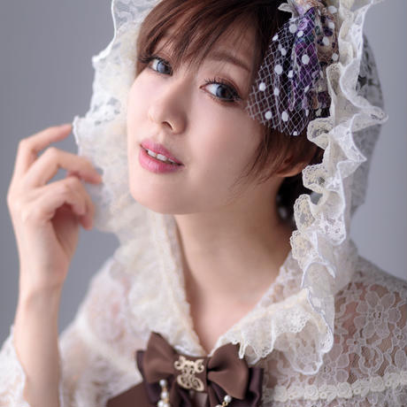 アイボリー頭巾のレースケープ (生成×生成レース)