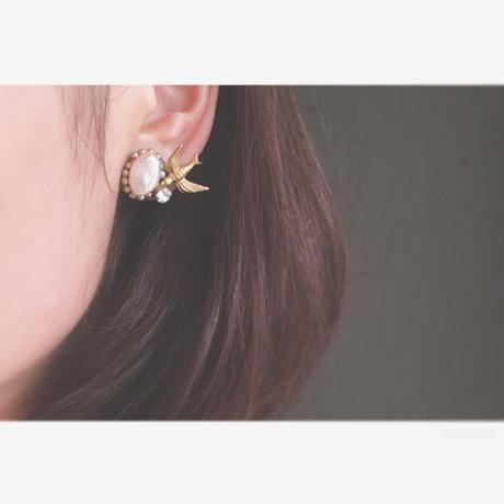 ツバメと宝石のイヤリング(受注生産)