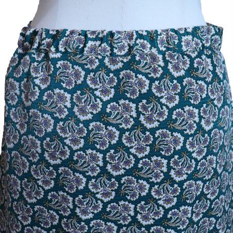 2011706   花柄セミフレアスカート