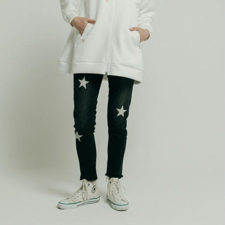 2011802 星刺繍スキニーデニムパンツ