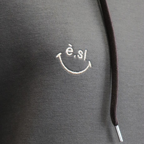 2007401 ボンディング刺繍ワンピース