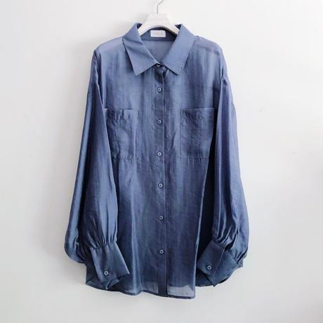 BACK SLIT SHEER SHIRT〈BLUE〉