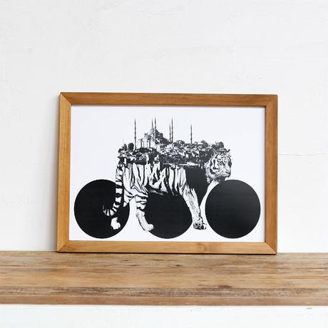 Tiger x Istanbul 「モノクロアート 動物街」A4 モノトーン ポスター + 古材 フレーム セット商品