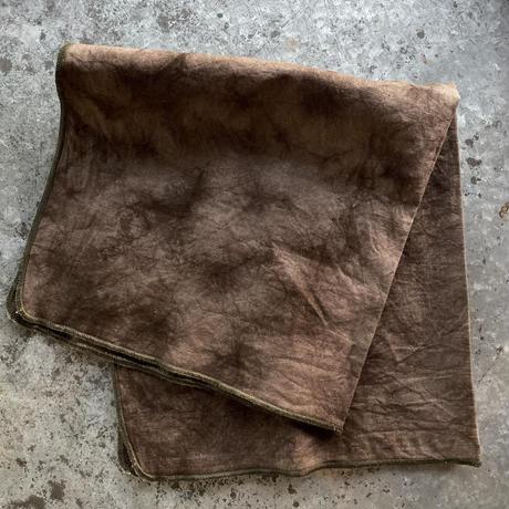 金井工芸 泥染めのハンカチ(縁の色:グレー)