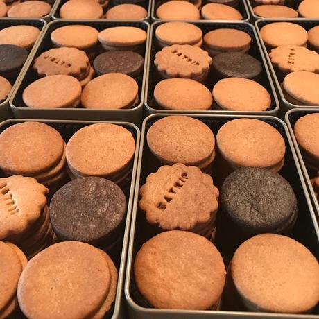 バニラクッキー缶:eatrip