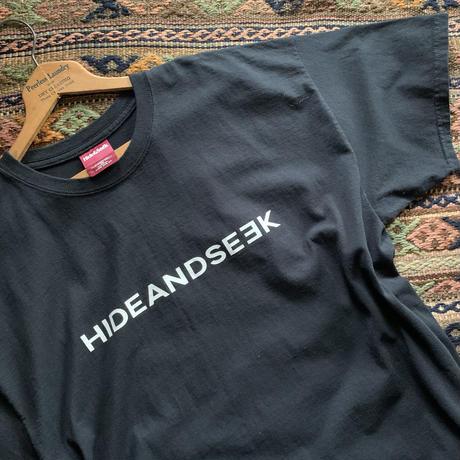 HIDEANDSEEK 90s Logo S/S Tee-E