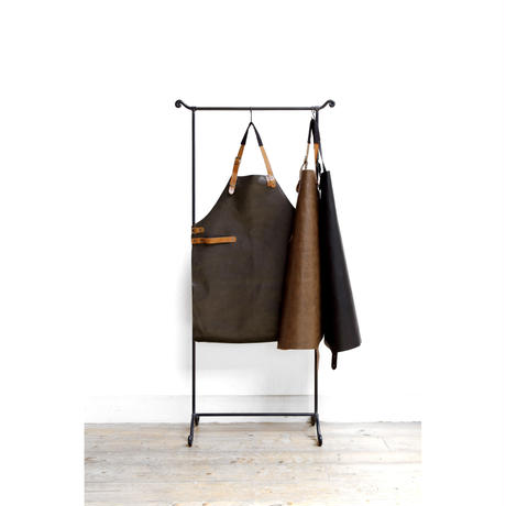 COMBEKK LEATHER APRON  ブラック
