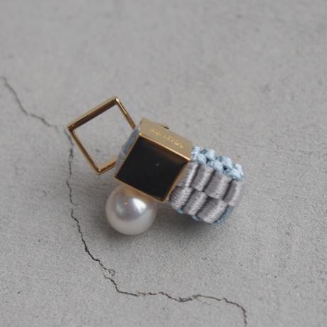 CHIKAKO YAJIMA CY16A-ER003  pierced earring  Smoky White