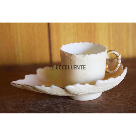【アンティーク洋食器】【ヴィクトリア期】リーフ型デミタスカップ&ソーサー