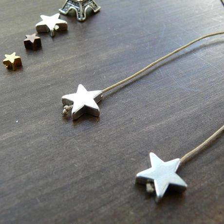 DANILA PARIS Deux étoile ネックレス ゴールドカラー 星のチャーム・スターチャーム