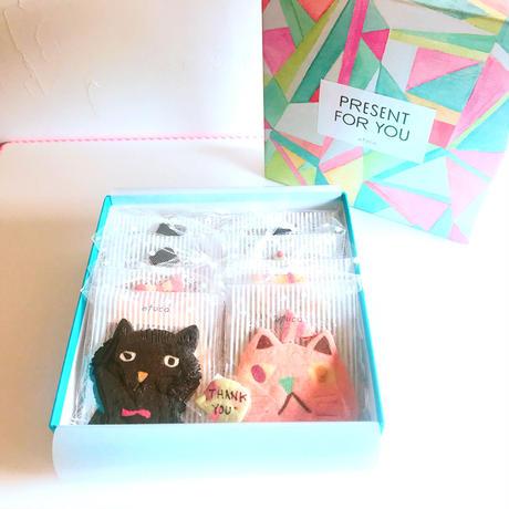 メッセージ付きネコbox           (ネコ8枚、メッセージクッキー1枚、ギフトボックス入)