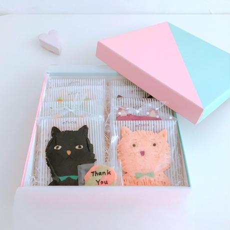 3/12発送:バレンタインネコBOX(pink×(ネコ8枚、メッセージクッキー1枚、ギフトボックス入)