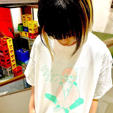 "daisansei / ""SMOKING GIRL"" T-Shirt"