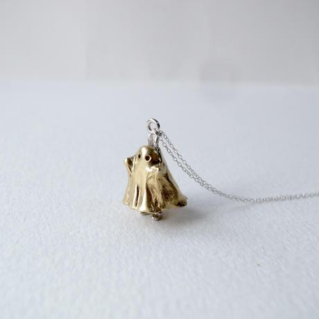 おばけのふりをするうさぎのネックレス(おばけ真鍮×うさぎシルバー)