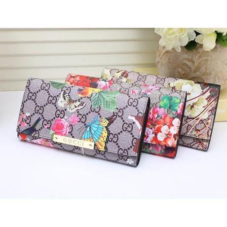 グッチ最新作 超人気 長財布 3つ折り 花柄 蝶柄 可愛い 3色 男女兼用 ウィメンズファッションWPG61702