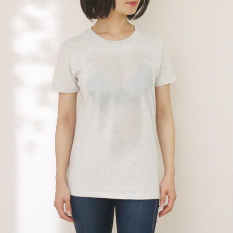 うっすらと谷間が見える妄想マッピングTシャツ〈オートミール〉