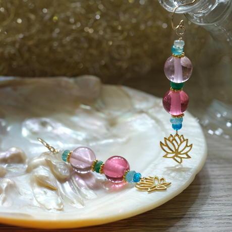 ピンク2色★アンダラクリスタルのピアス(インドネシア産)