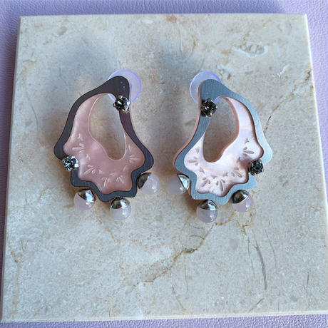 acrylic shell pierce/earring (white/pink)