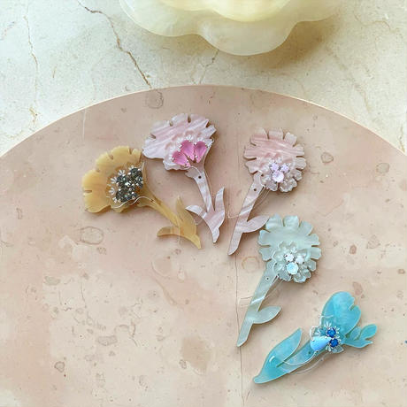 Freesia brooch