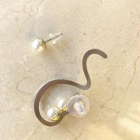 swing wave Pierce/earring