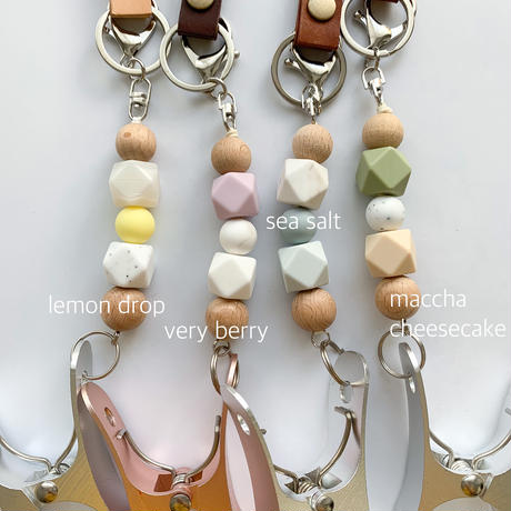 Leather shoes clip / milky puff Spring colour