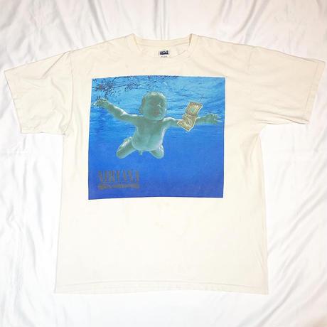 """Vintage NIRVANA """"NEVER MIND"""" T-shirt"""