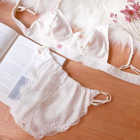 doux white romantic flower panty