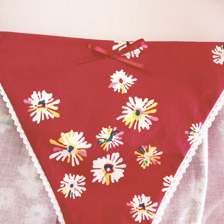 Daisies scarlet cotton panty
