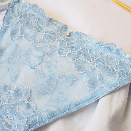 doux light blue