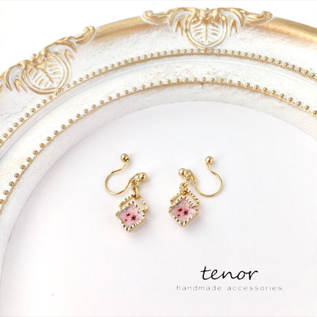 スクエアイヤリング *くすみピンク桜*