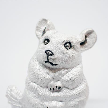 チンチラきょとんブローチ (white)