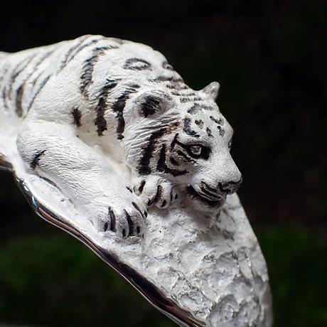 凝視トラのバングル(white)