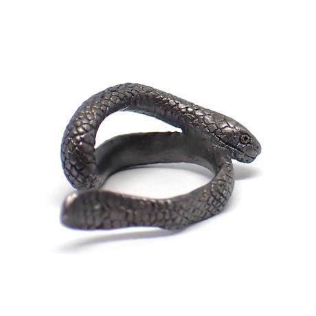 巻き付くウミヘビイヤーカフ(black matte)