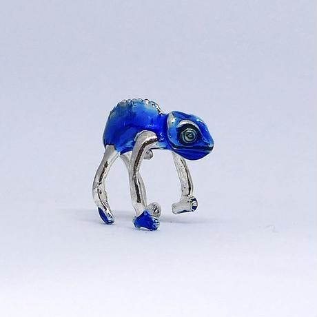カメレオンイヤーカフ  (blue)