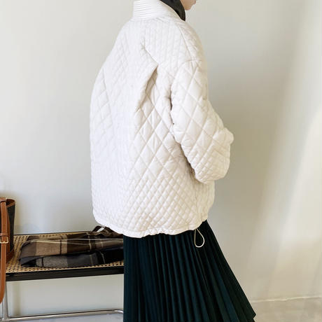 【jk007】Vネックバルーンスリーブ中綿キルティングジャケット(2カラー)