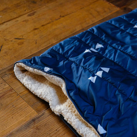 CLOUDTOUCH OUTDOOR PILLOW BLANKET Monadnock / VOITED