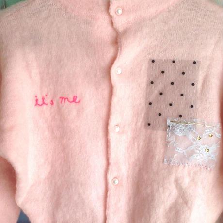 ピンクの「it`s me」ニット