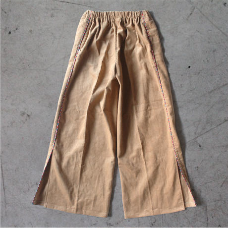 〈Berlin + EARTH BEIGE〉WOMEN  Corduroy Wide Pants