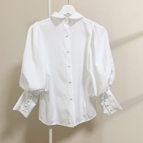 pearl puffsleeve blouse