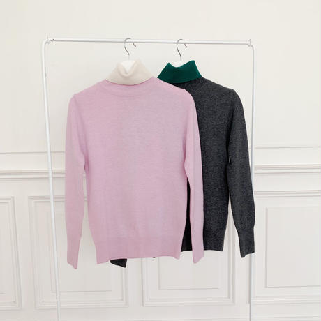 bicolor turtleneck knit