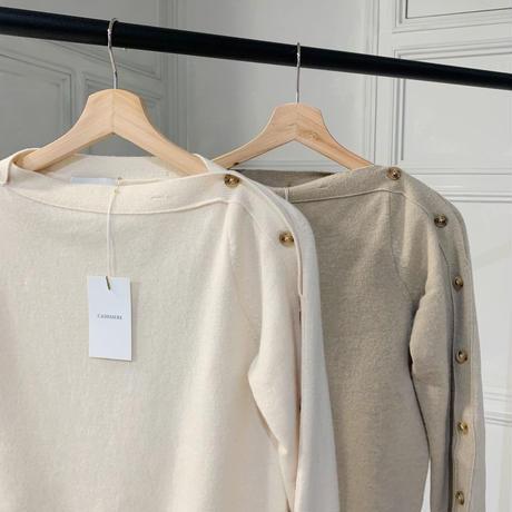 button cashwool knit