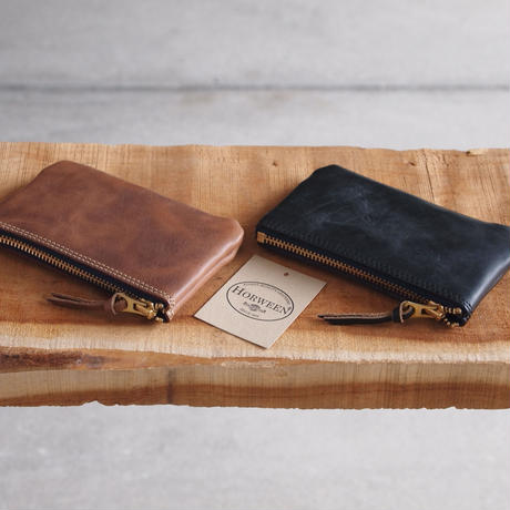 ART BROWN〈アートブラウン〉 CHROMEXCEL MULTI POUCH NUME/BLACK