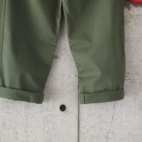 BRITISH KHAKI〈ブリティッシュカーキ〉TWO TUCK WIDE TROUSER MILITARY OLIVE