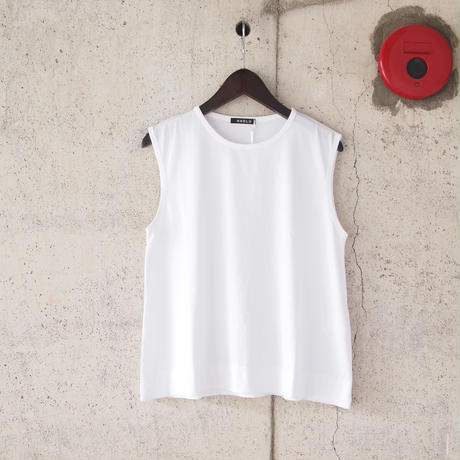 【women】HAOLU〈ハオル〉 NO SLEEVE PULL OVER WHITE