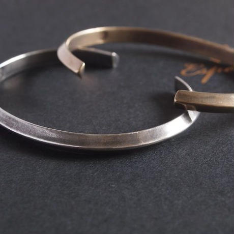Esperanto〈エスペラント〉 TRIANGLE SILVER BANGLE (EM-648B)  SILVER