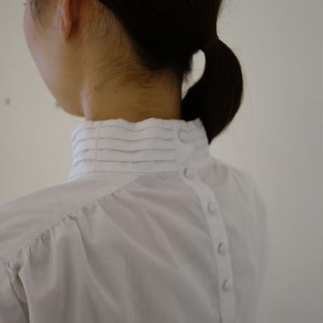 【women】HAOLU〈ハオル〉 GATHER NECK BLOUSE WHITE