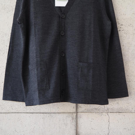 SPINNER BAIT〈スピナーベイト〉 MOUNT BREATH MERINO WOOL CARDIGAN CHARCOAL